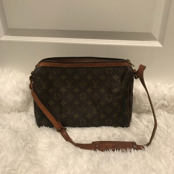 19dec9a0ccc0 Louis Vuitton Handbags - (Open 2 offers) 💯 vintage Louis Vuitton Tuileries